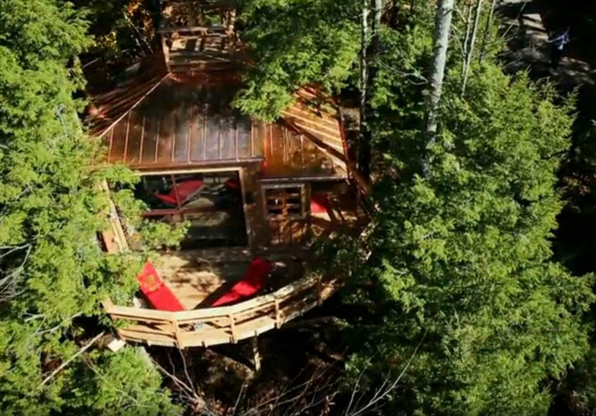 Solar powered treehouse in Maine
