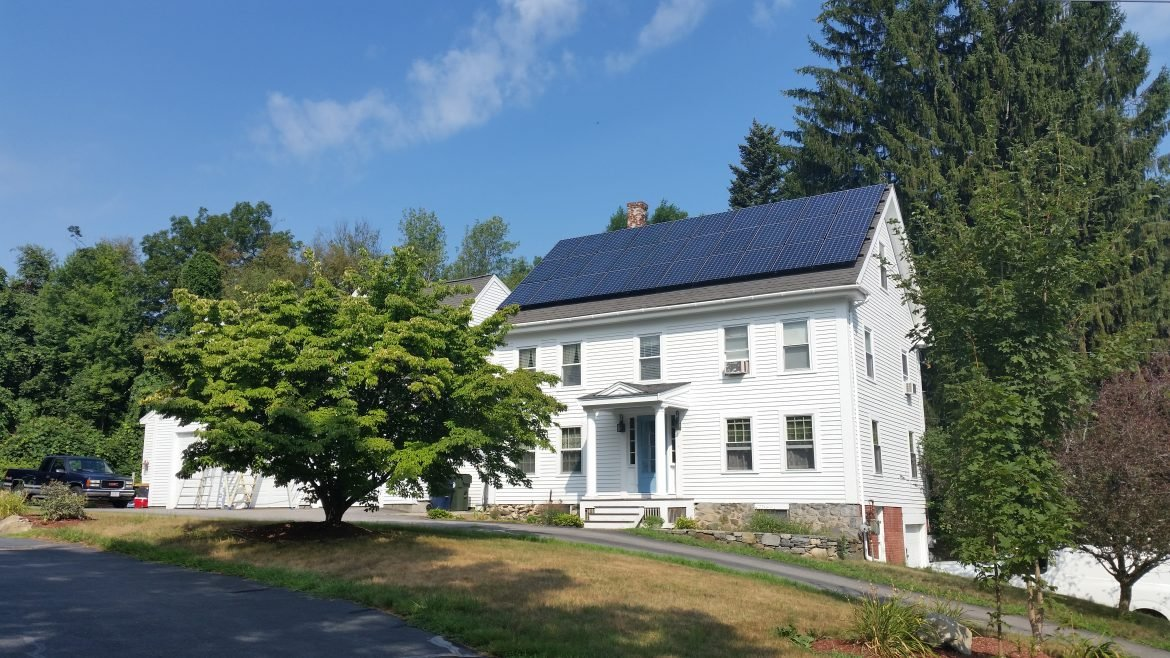 What is the cost of solar panels for a home?