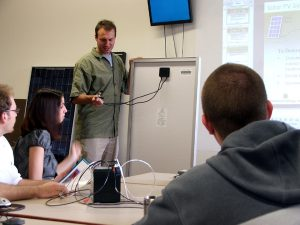 James Cormican teaches a homeowners class at altE; March, 2007